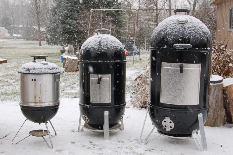 Weber Smokey Mountain 18.5 vs 22.5